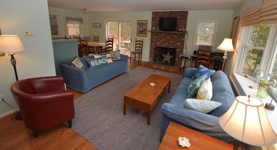 Cozy 3 Bedroom Cottage Near Town Cove - Central AC - Orleans - House