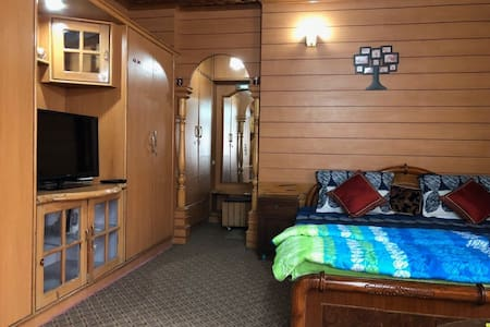Kashmiriyat ,Luxury Double Room-3