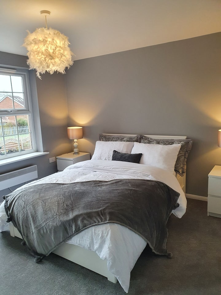 Two Bedroom Luxury Apartment in Beverley.