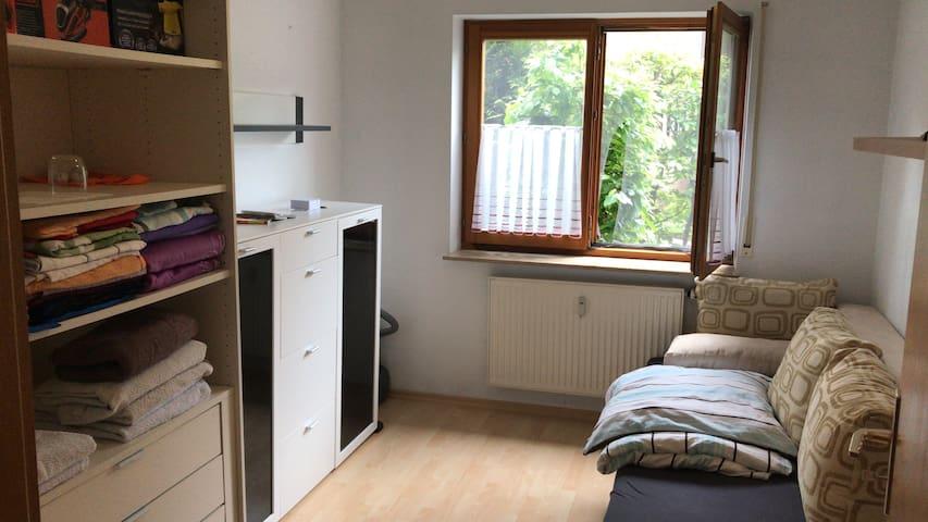 Zimmer mit WLAN und TV