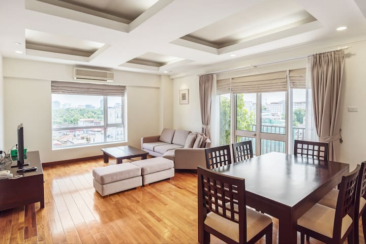 * BEST LOCATION ! * Near Hồ Thiền Quang Lake - Hanoi - Apartment