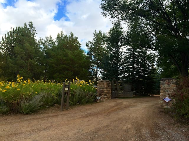 Country Suite on gated estate, mins from Santa Fe - Santa Fe