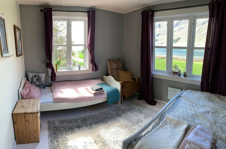 Skjelfjorden Lofoten - double/triple room Sealady