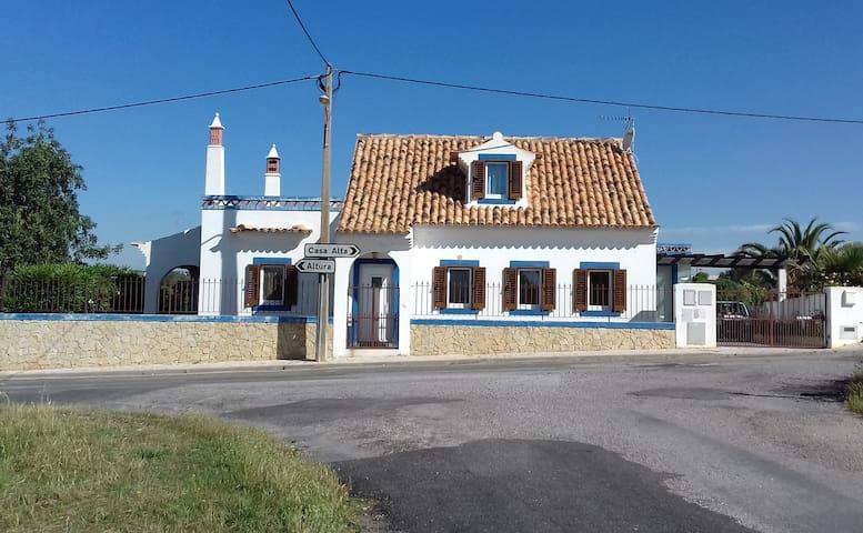 Beach and countryside rest, Casa Azul do Mar