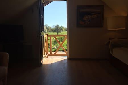 Appartement en pleine campagne à 7 km de Deauville - Beaumont-en-Auge - Huoneisto