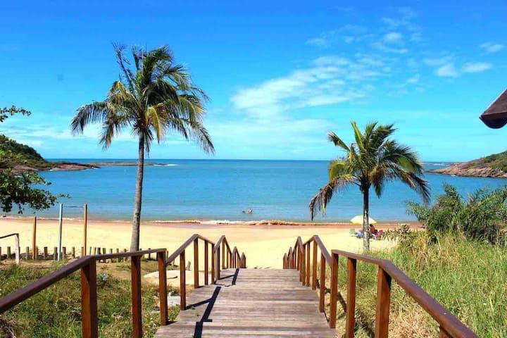 Apto Guarapari Enseada Azul Bacutia 2ª quadra mar
