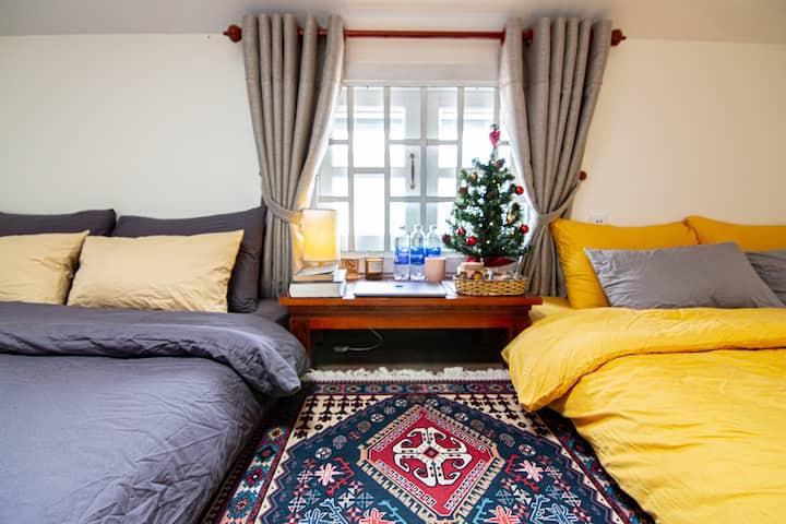 2 BED, COZY, BBQ GARDEN, STAY&CHILL, ATTIC ROOM 03