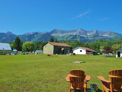 FernGully Mountain Acreage (Pet Friendly)