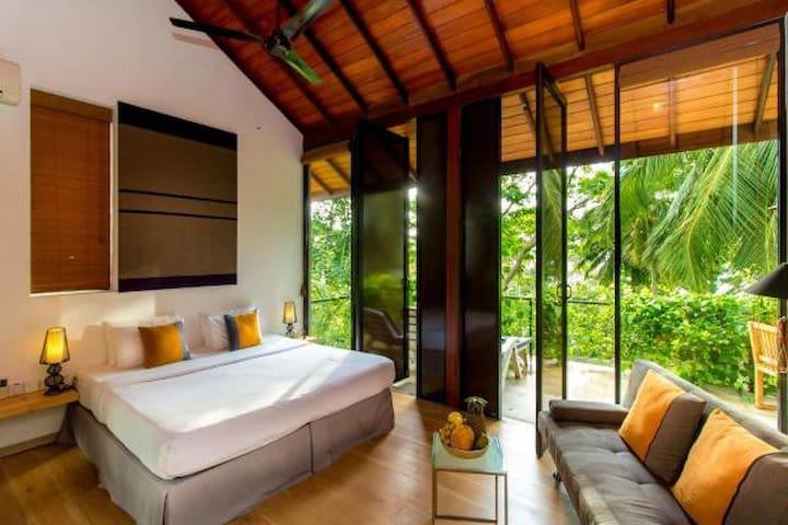 Palm Paradise Villa
