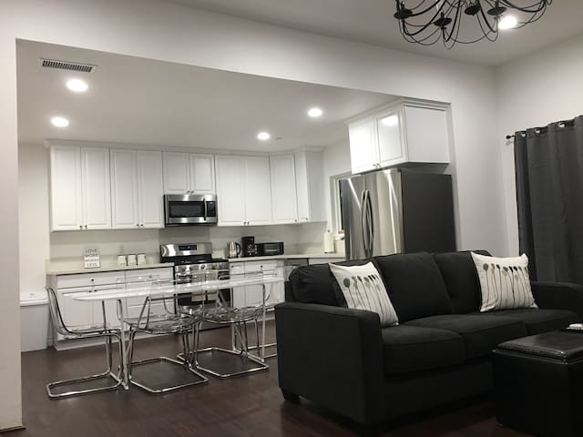 Spanish House ❤️3BR 2BA in Central of Los Angeles