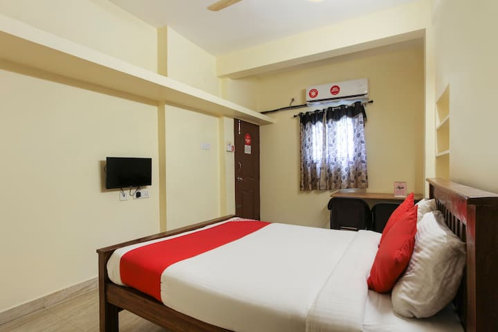 OYO Deluxe  SMART Furnished Room in Chennai