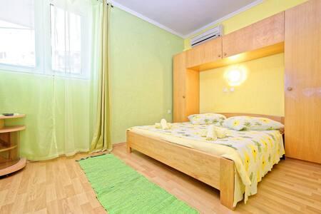 Apartments Marijana / One Bedroom A2 - Lopar