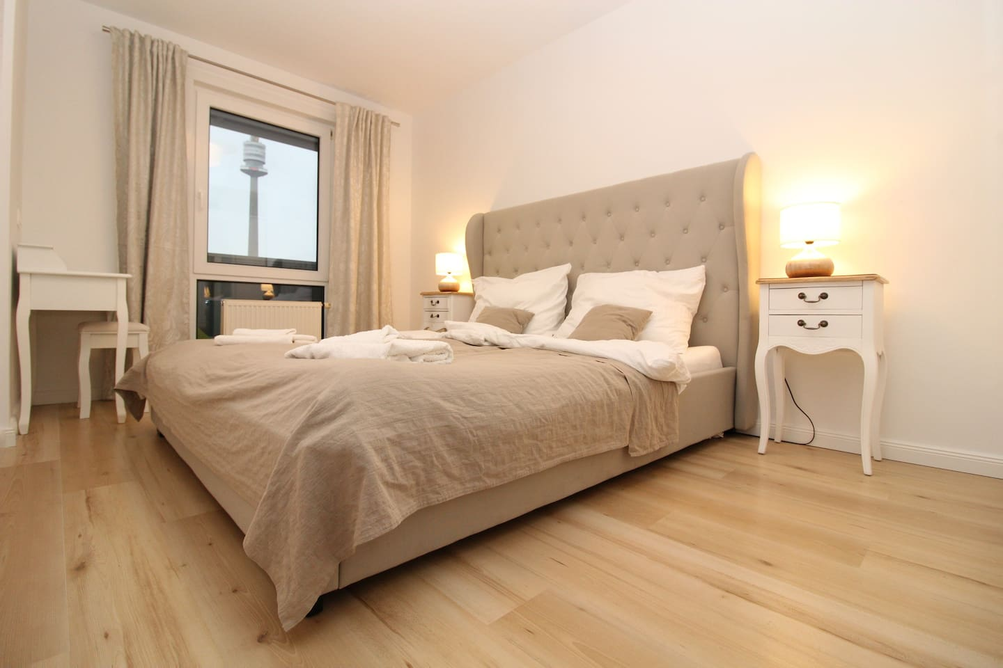 Newly renovated apartment with fantastic view on danube river, park and city