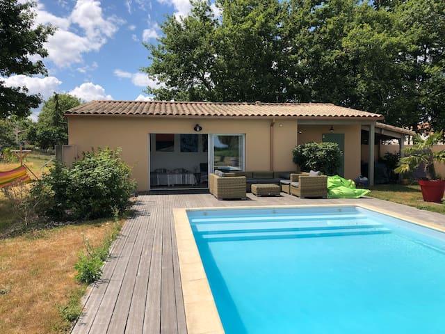 Cabanon cosy pleine nature, piscine, proche Nantes