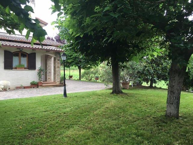 Le camere di Maria Grazia 3 - Bettona - บ้าน