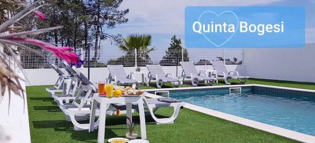 Prachtige hoeve met zwembad en grote tuin