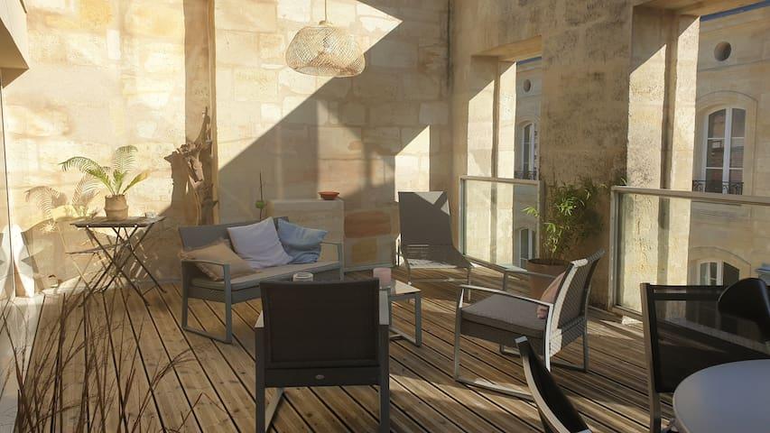 Charmant T2,avec terrasse au coeur des Chartrons