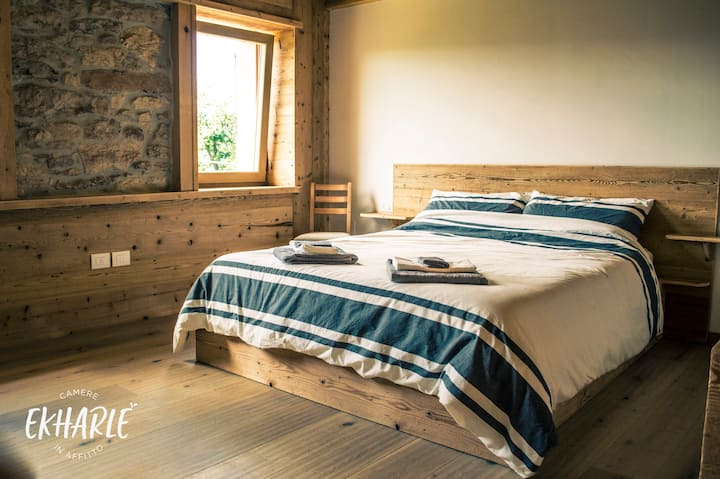 Ekharle - Cosy family bedroom - Rustic wood style