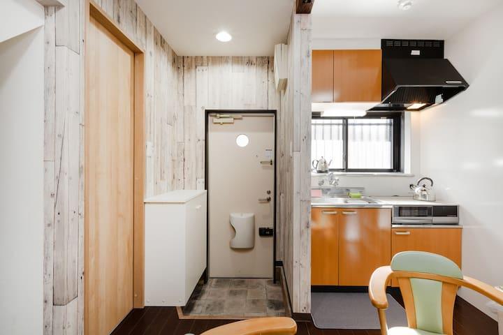 手ぶらで宿泊出来る2階建てのプライベートハウス