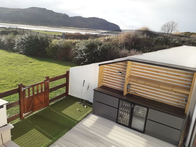 Stunning Conwy sea view, beach house.Golf paradise