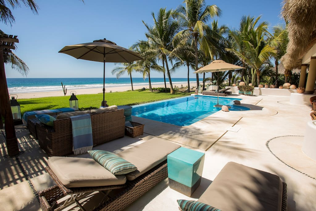 Private pool with view of the beach and ocean