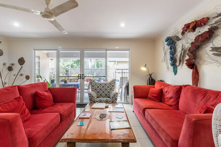 Cosy Home In Yandina - Whole Apartment