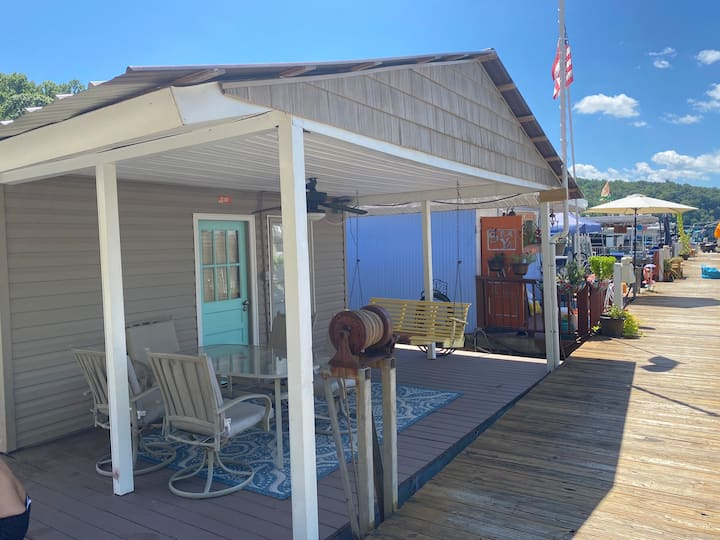 Fully loaded Houseboat on Norris Lake + parking