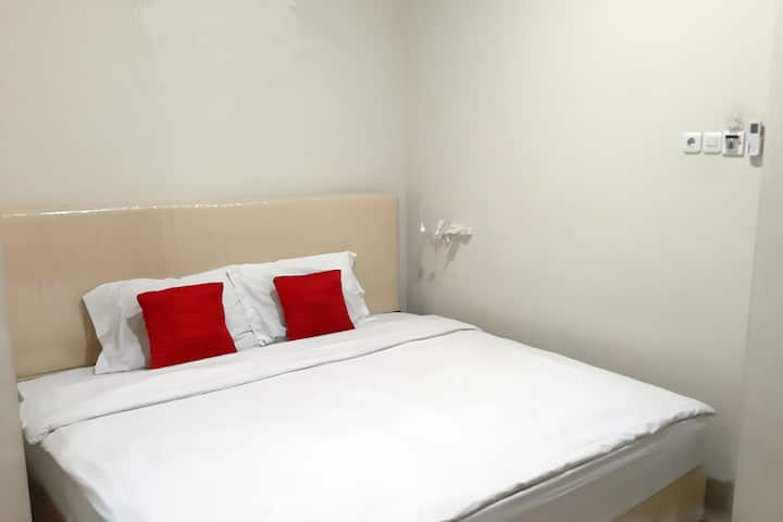 Extra Double Room at INNJOY GUESTHOUSE SEMARANG