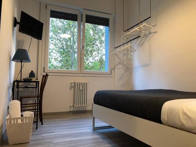 Four Rooms - camera matrimoniale economy