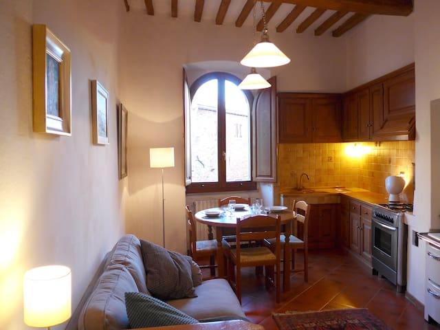 Artist's apartment in medieval town in Tuscany