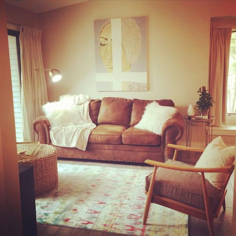 Beautiful Condo on Grand Traverse East Bay