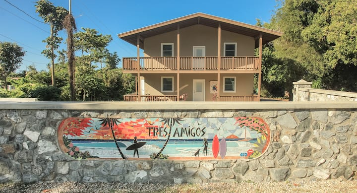 Brand New, centrally located with beach access!