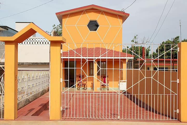 The Orange House 5km from Varadero Appartment #2