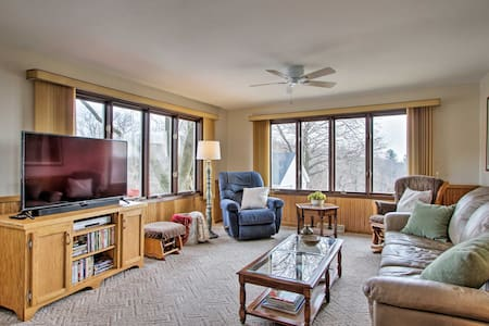 NEW! Wisconsin River Valley Farmhouse w/ Views!