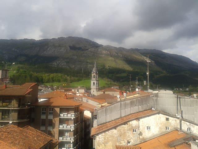 Entre las capitales del País Vasco - Azkoitia