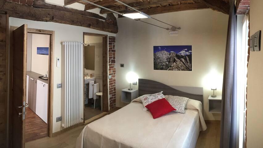 Osteria Senza Fretta: Camera Valle Gesso - Cuneo - Apto. en complejo residencial