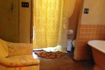 Charming guest house near railyard and plaza