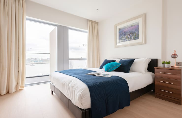 Modern Luxury 1BR Apartment next to O2 Arena 9916