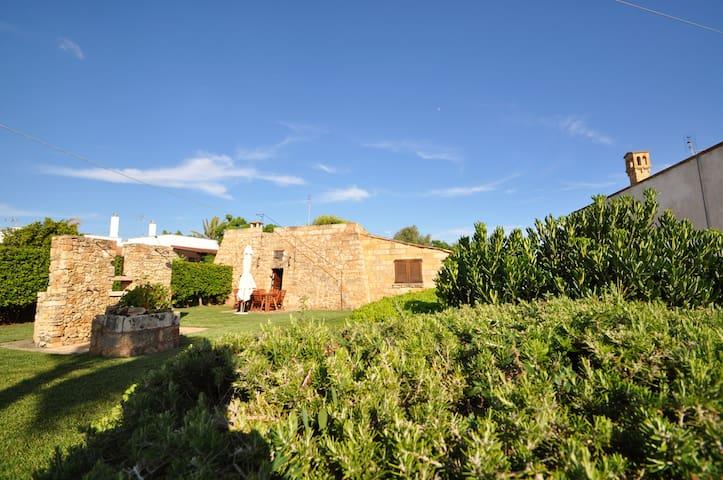 Antico trullo ristrutturato con vista sul mare - Capilungo