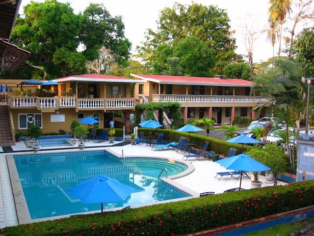 Hotel Carara y Restaurante Tarcoles