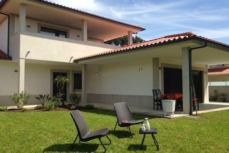 Luxe ruime villa, vlakbij zee, view - Villa