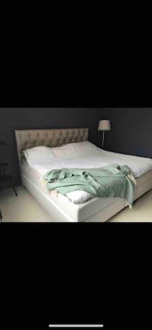 Eget sovrum i central lägenhet