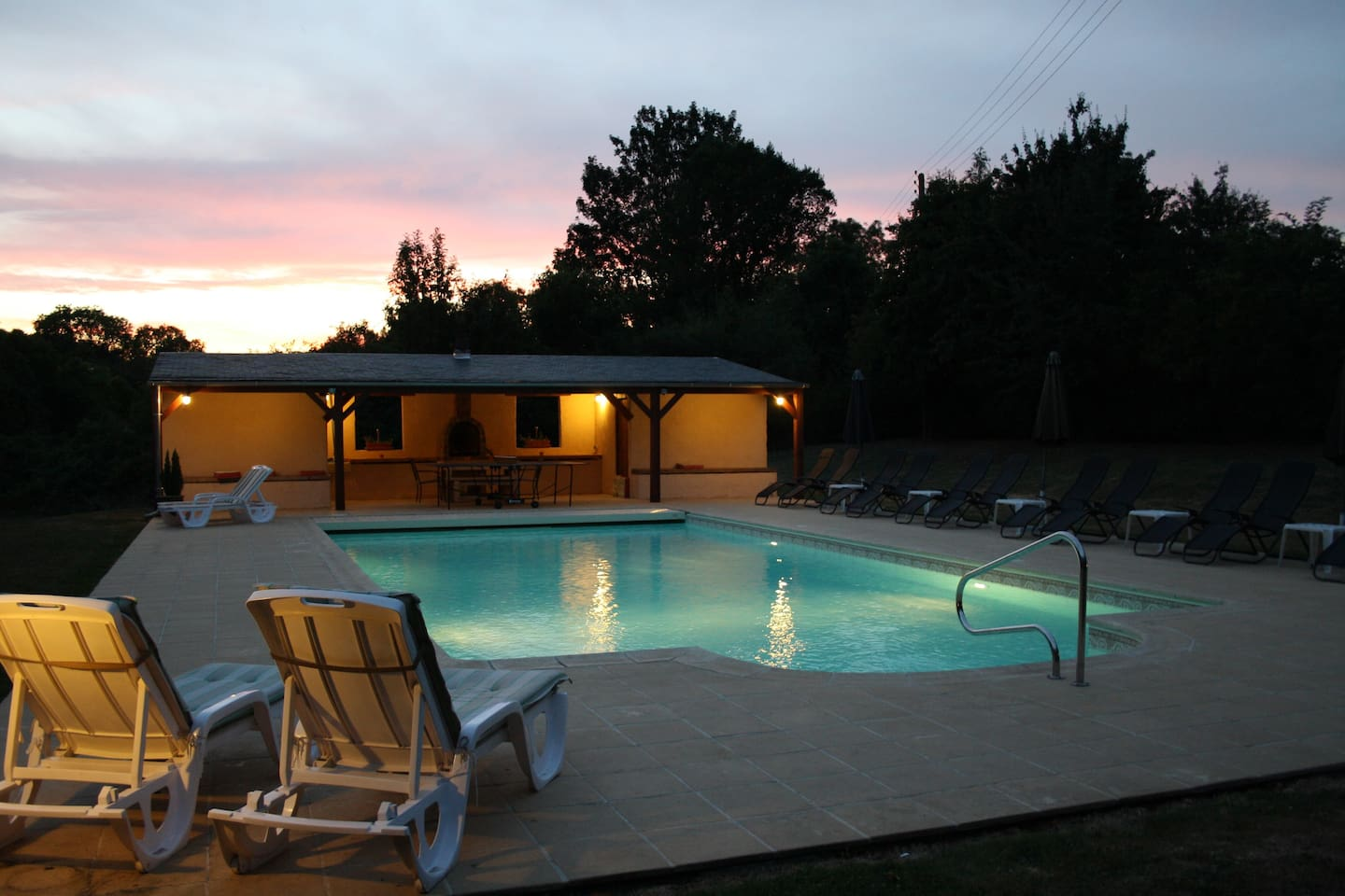 Poolhouse at night