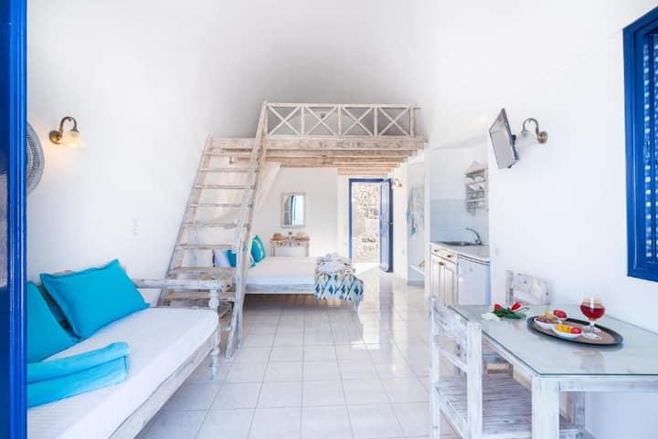 Agnadi Superior Sea View Room with Loft