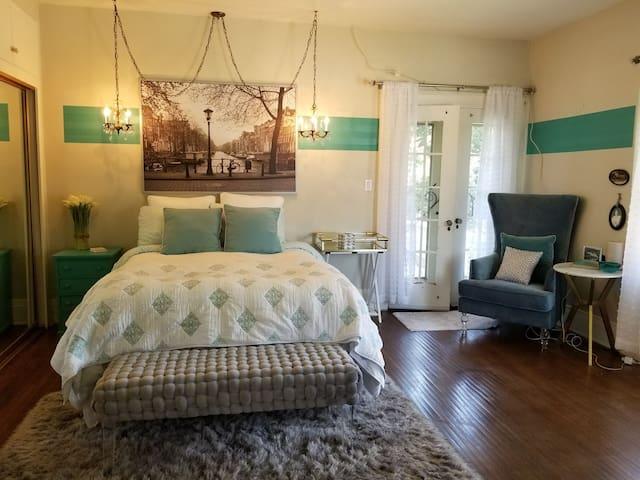 "Grace Manor ""Amsterdam"" Bedroom & Bath"