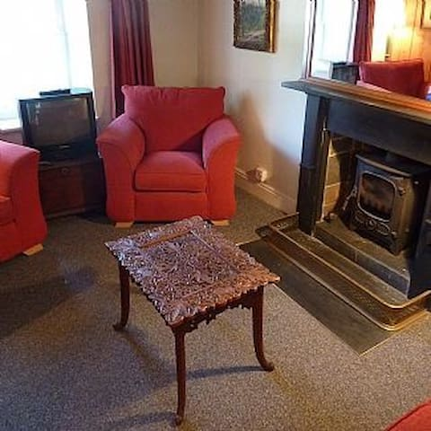 The sitting room with woodturner