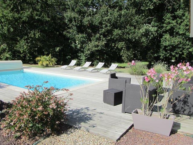 Maison avec piscine proche Bordeaux - Saint-Sulpice-et-Cameyrac - Casa