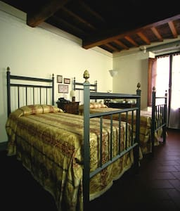 LOCANDA TINTI B&B Triple Room 4 - Diacceto - Bed & Breakfast
