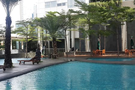 Modern apartment 10 min walk to gandaria city mall