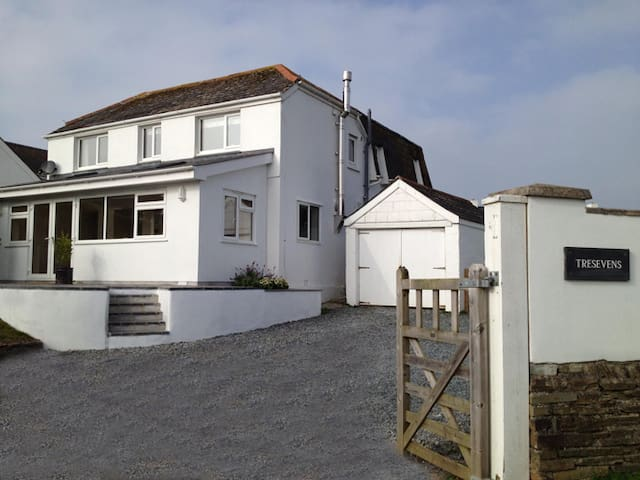 Spacious five bedroom house in Polzeath, Cornwall - Polzeath - Ház
